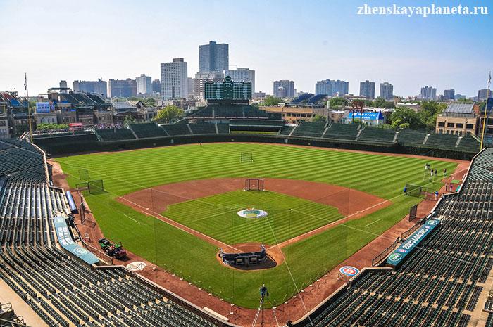 бейсбольное-поле