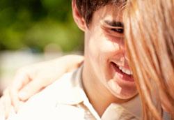 Что подарить парню на месяц отношений?