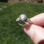 Как избежать окрашивания пальцев дешевыми кольцами?