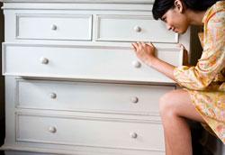 Как избавиться от неприятного запаха в комоде?
