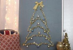 Как сделать новогоднюю ёлку из проволочных вешалок?