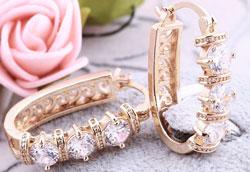 Как почистить золотые или позолоченные серьги?