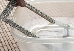 Как избавиться от ржавчины с помощью уксуса?