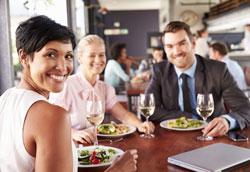 Что надеть на деловой ужин: практичные советы