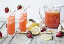 Как приготовить клубничный лимонад?