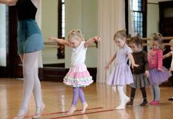 Как провести урок танцев для детей: базовые советы