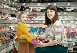 Как подобрать правильный размер обуви для маленького ребенка?