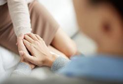 Как убедить кого-то обратиться за консультацией к психологу?